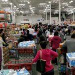 У Штатах масово скуповують продукти через пандемію коронавируса - черги